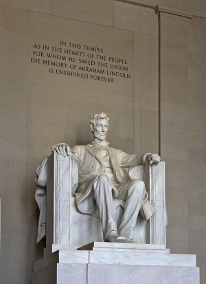 640px-Lincoln_Memorial_(Lincoln_tall)